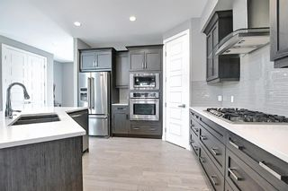 Photo 9: 622 20 Avenue NW in Calgary: Mount Pleasant Semi Detached for sale : MLS®# A1120520