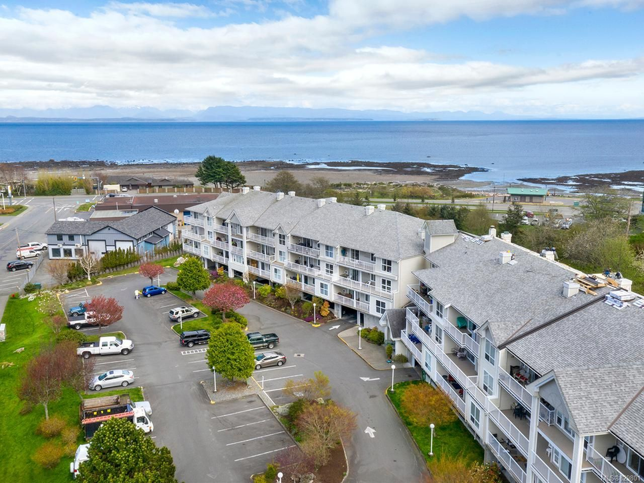 Photo 1: Photos: 311 155 Erickson Rd in CAMPBELL RIVER: CR Willow Point Condo for sale (Campbell River)  : MLS®# 829801