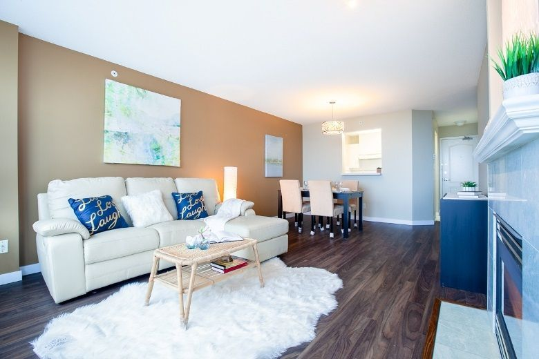 Main Photo: 1605 6622 SOUTHOAKS CRESCENT in Burnaby: Highgate Condo for sale (Burnaby South)  : MLS®# R2313314