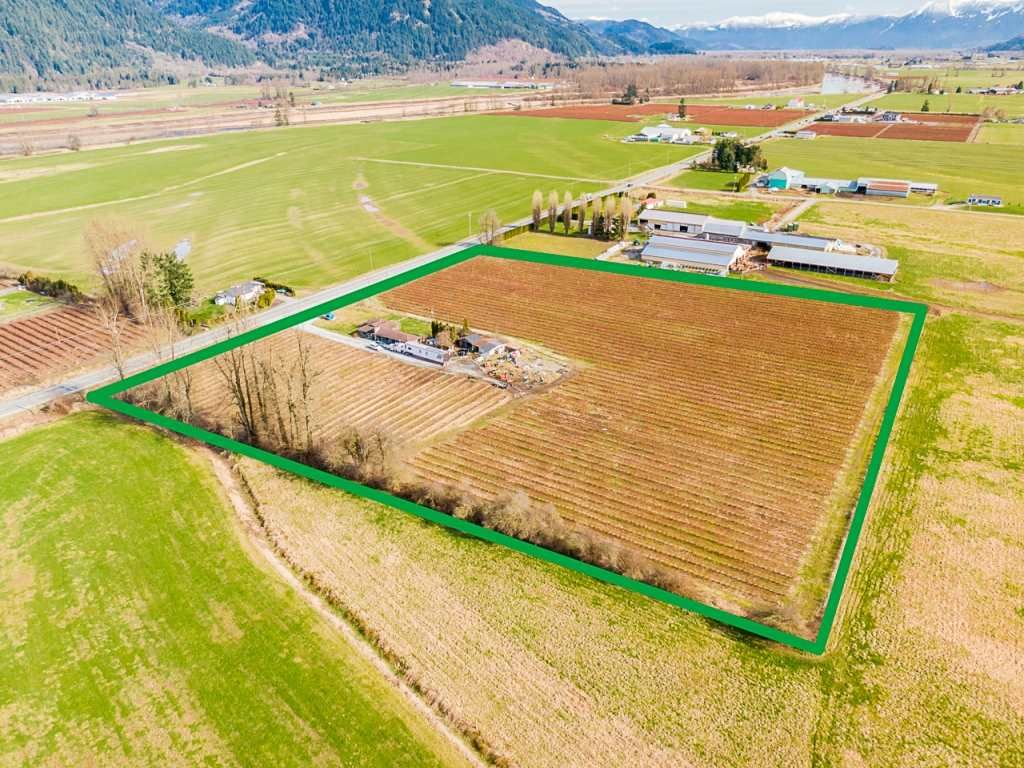 Main Photo: 37424 LOUGHEED Highway: Agri-Business for sale in Mission: MLS®# C8036839
