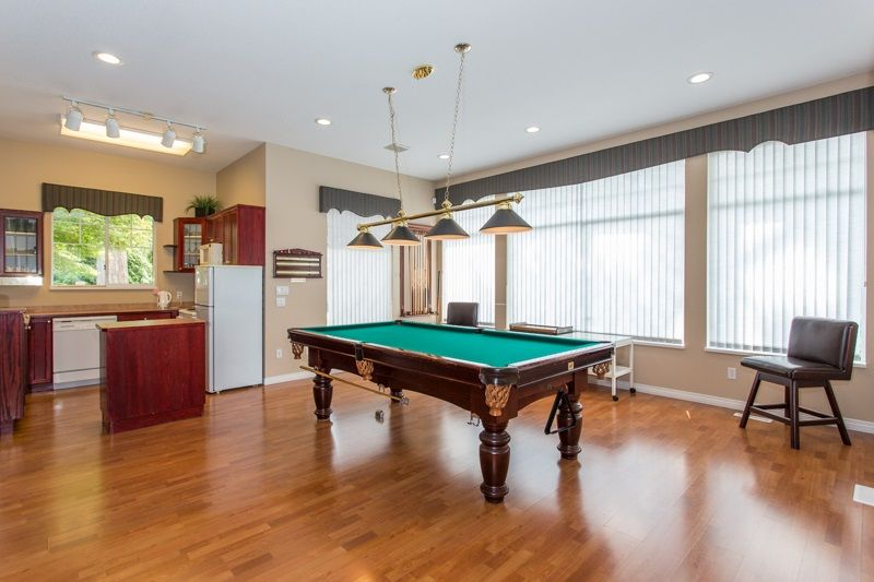 """Photo 18: Photos: 83 2533 152 Street in Surrey: Sunnyside Park Surrey Townhouse for sale in """"Bishop's Green"""" (South Surrey White Rock)  : MLS®# R2354943"""