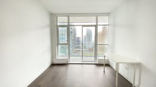 """Photo 10: 2205 4670 ASSEMBLY Way in Burnaby: Metrotown Condo for sale in """"Station Square"""" (Burnaby South)  : MLS®# R2625336"""