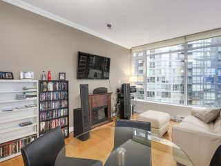 """Photo 9: 1202 1211 MELVILLE Street in Vancouver: Coal Harbour Condo for sale in """"The Ritz"""" (Vancouver West)  : MLS®# R2223413"""