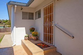Photo 2: CLAIREMONT House for sale : 3 bedrooms : 4530 MILTON STREET in San Diego