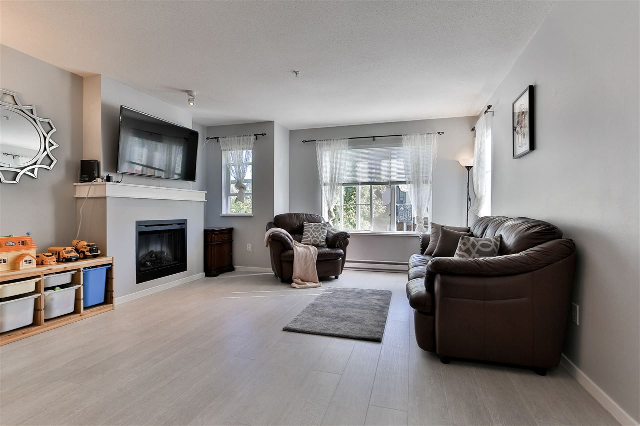 """Main Photo: 156 20875 80 Avenue in Langley: Willoughby Heights Townhouse for sale in """"Pepperwood"""" : MLS®# R2493319"""