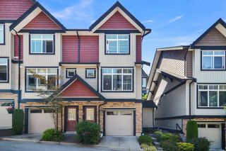 """Photo 1: 20 6299 144 Street in Surrey: Sullivan Station Townhouse for sale in """"ALTURA"""" : MLS®# R2604019"""