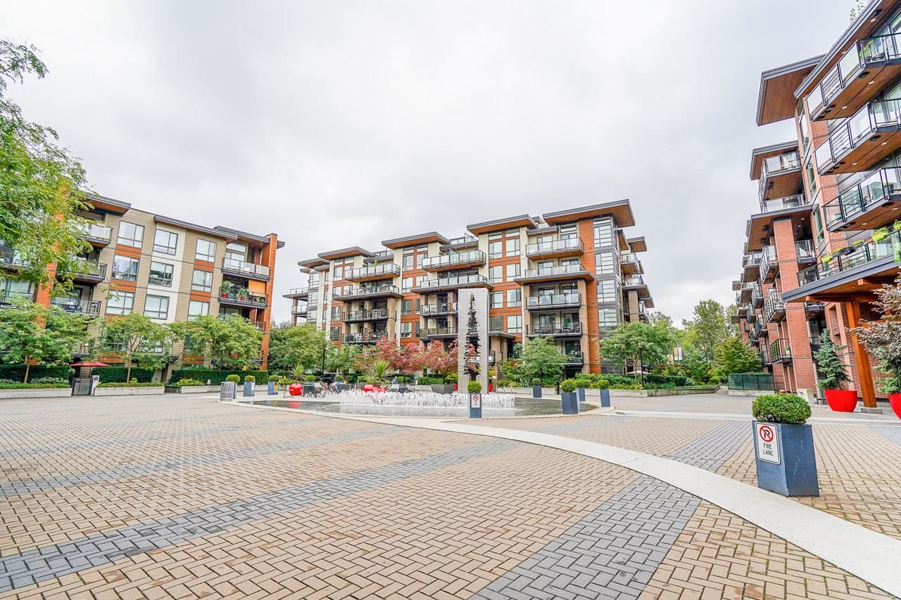 """Main Photo: 209 719 W 3RD Street in North Vancouver: Harbourside Condo for sale in """"THE SHORE"""" : MLS®# R2619887"""