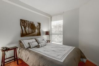 """Photo 5: 303 500 W 10TH Avenue in Vancouver: Fairview VW Condo for sale in """"Cambridge Court"""" (Vancouver West)  : MLS®# R2050237"""