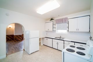Photo 3: 608 Polson Avenue in Winnipeg: North End Single Family Detached for sale (4C)  : MLS®# 1705288