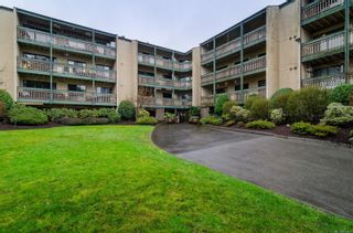 Photo 3: 418 3277 Quadra St in : SE Maplewood Condo for sale (Saanich East)  : MLS®# 863973