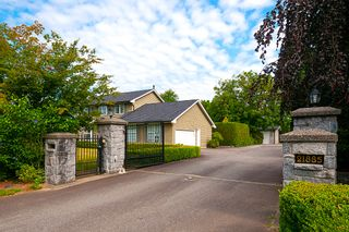 Photo 1: 21867 RIVER Road in Maple Ridge: West Central House for sale : MLS®# R2389328