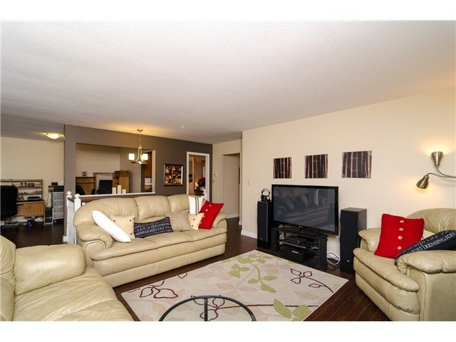 Photo 2: Photos: 6430 CURTIS Street in Burnaby: Parkcrest House for sale (Burnaby North)  : MLS®# V981822