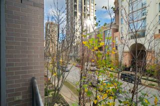 """Photo 11: 204 1295 RICHARDS Street in Vancouver: Downtown VW Condo for sale in """"THE OSCAR"""" (Vancouver West)  : MLS®# R2124812"""