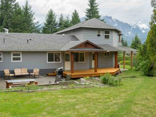 Photo 19: 2555 JURA Crescent in Squamish: Garibaldi Highlands House for sale : MLS®# R2176752