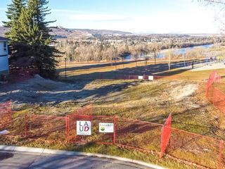 Photo 2: 12 Varanger Place NW in Calgary: Varsity Land for sale : MLS®# A1047240