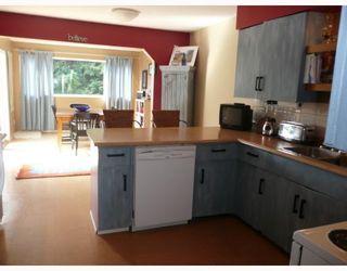 Photo 2: 6589 ACORN Road in Sechelt: Sechelt District House for sale (Sunshine Coast)  : MLS®# V781539