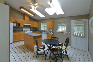 Photo 9: 480 PINE Avenue: Harrison Hot Springs House for sale : MLS®# R2093271