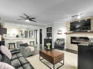"""Photo 5: 201 2665 W BROADWAY in Vancouver: Kitsilano Condo for sale in """"MAGUIRE BUILDING"""" (Vancouver West)  : MLS®# R2548930"""