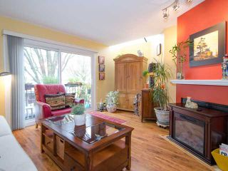 """Photo 2: 1 1285 HARWOOD Street in Vancouver: West End VW Townhouse for sale in """"HARWOOD COURT"""" (Vancouver West)  : MLS®# V943710"""