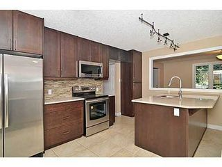 Photo 3: 70 CAMBRIAN Drive NW in Calgary: Bungalow for sale : MLS®# C3552954