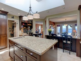 Photo 3: 6749 Welch Rd in : CS Martindale House for sale (Central Saanich)  : MLS®# 875502
