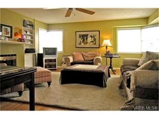 Photo 3:  in VICTORIA: SE Camosun House for sale (Saanich East)  : MLS®# 410055