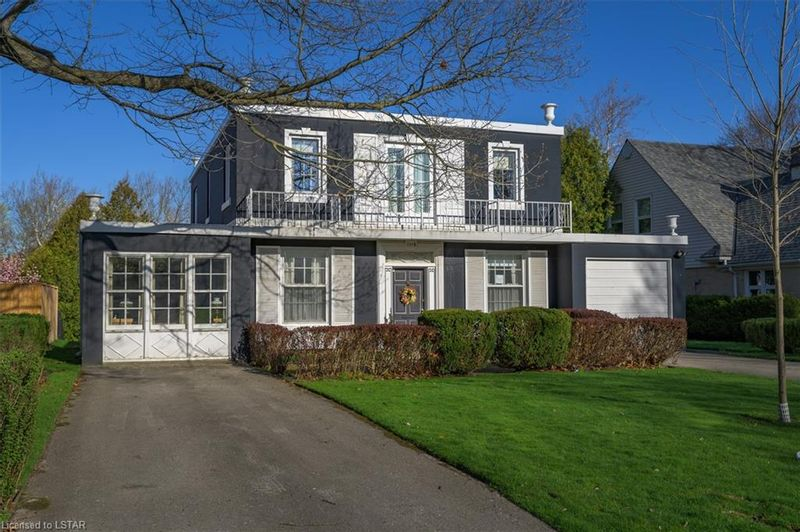 FEATURED LISTING: 1119 THE PARKWAY . London