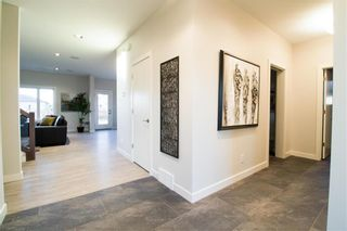 Photo 2: 2 Bridlewood Way in Oak Bluff: R08 Residential for sale : MLS®# 202101124