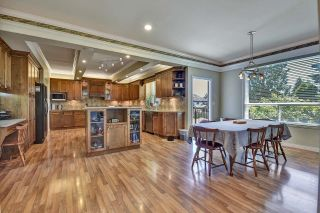 Photo 6: 7901 155A Street in Surrey: Fleetwood Tynehead House for sale : MLS®# R2611912