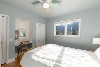 "Photo 18: 41833 GOVERNMENT Road in Squamish: Brackendale House for sale in ""BRACKENDALE"" : MLS®# R2545412"
