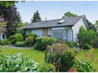"""Photo 2: 1366 LEE Street: White Rock House for sale in """"White rock"""" (South Surrey White Rock)  : MLS®# R2547473"""