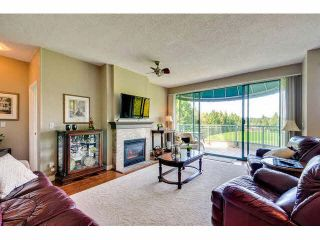 """Photo 6: 405 1745 MARTIN Drive in Surrey: Sunnyside Park Surrey Condo for sale in """"SOUTHWYND"""" (South Surrey White Rock)  : MLS®# F1436564"""