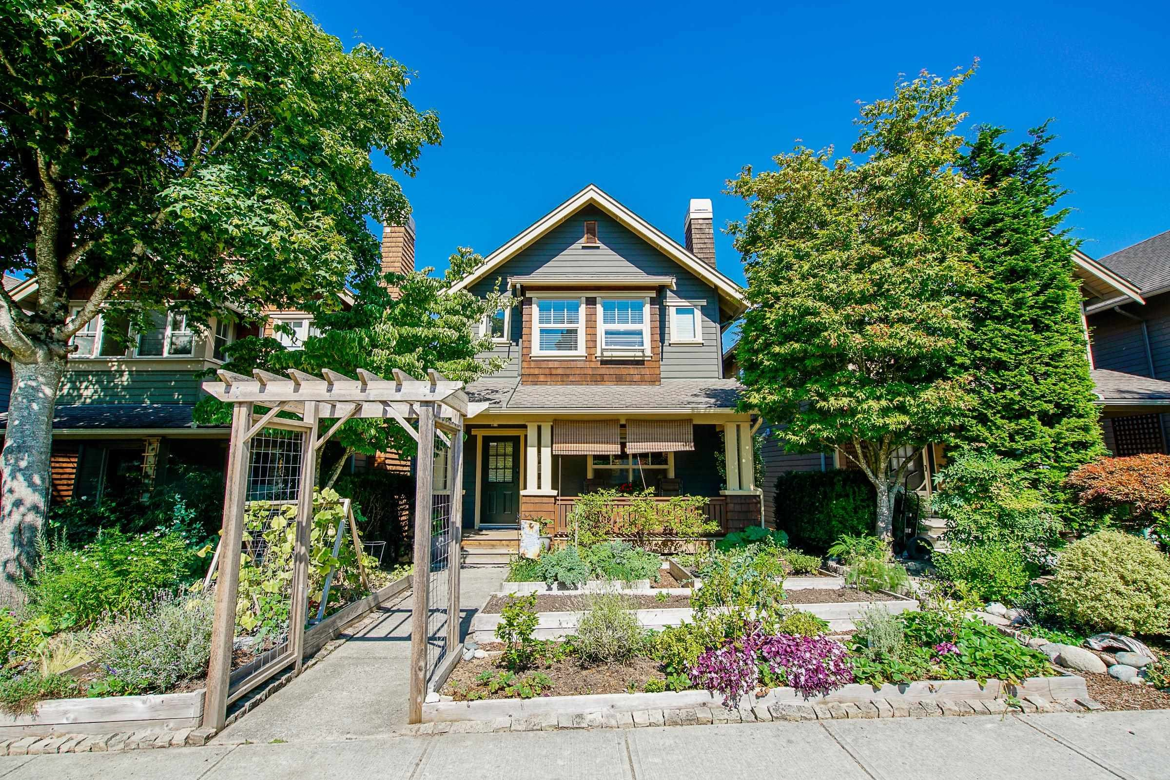 """Main Photo: 721 COLBORNE Street in New Westminster: GlenBrooke North House for sale in """"Glenbrook North"""" : MLS®# R2609816"""