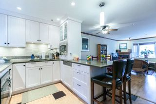 Photo 3: 2308 VINE STREET in Vancouver: Kitsilano Townhouse  (Vancouver West)  : MLS®# R2039868