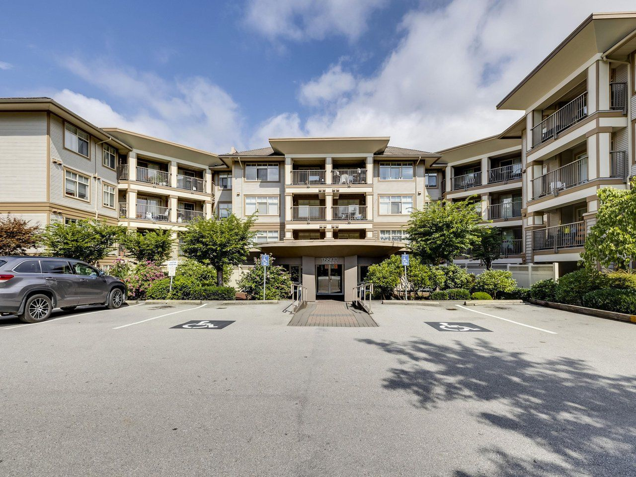 Main Photo: 122 12248 224 Street in Maple Ridge: East Central Condo for sale : MLS®# R2612455