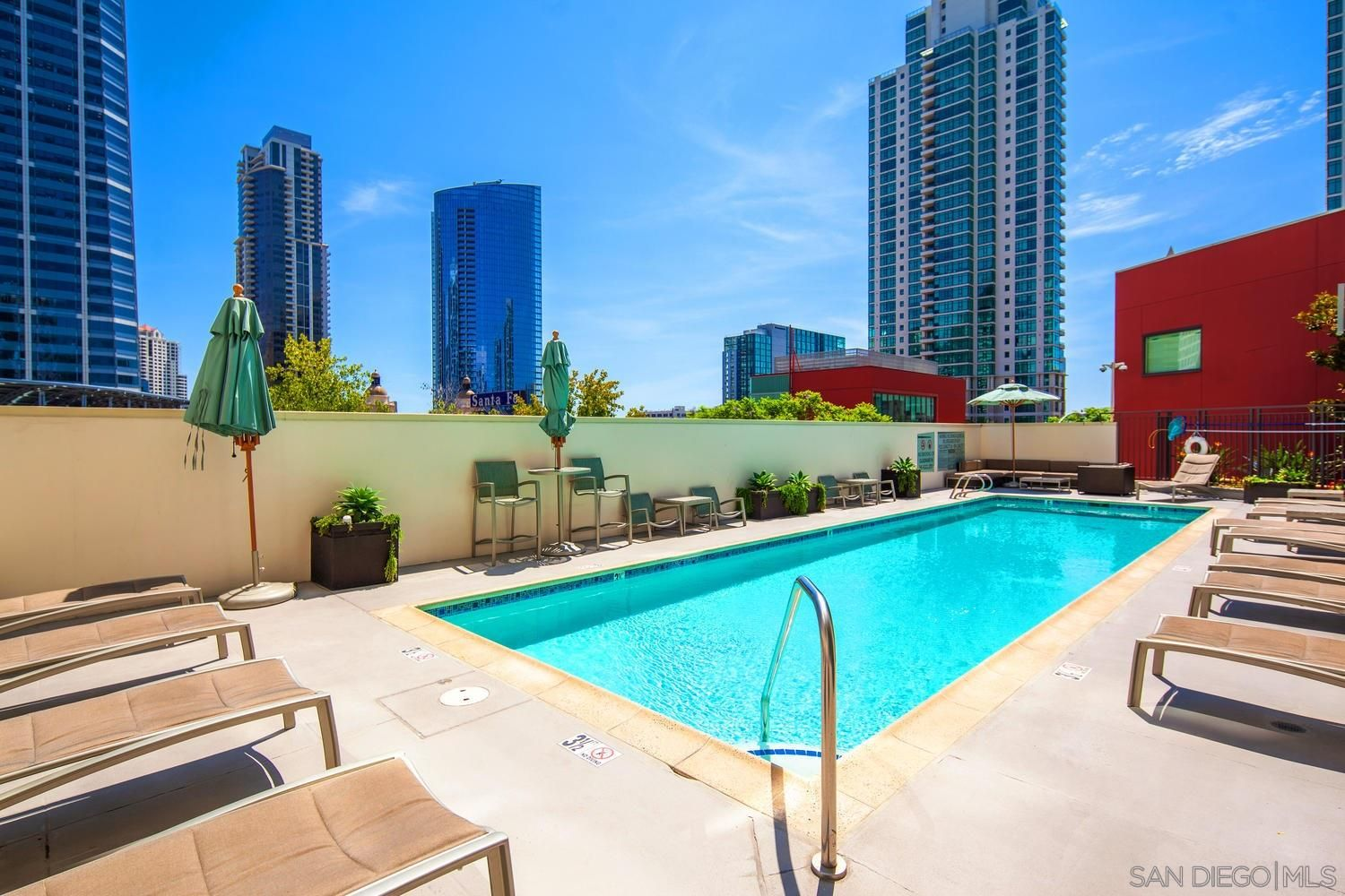 Main Photo: DOWNTOWN Condo for sale : 1 bedrooms : 1240 India Street #104 in San Diego
