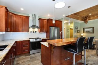 Photo 5: 3809 Woodland Dr in : CR Campbell River South House for sale (Campbell River)  : MLS®# 871866