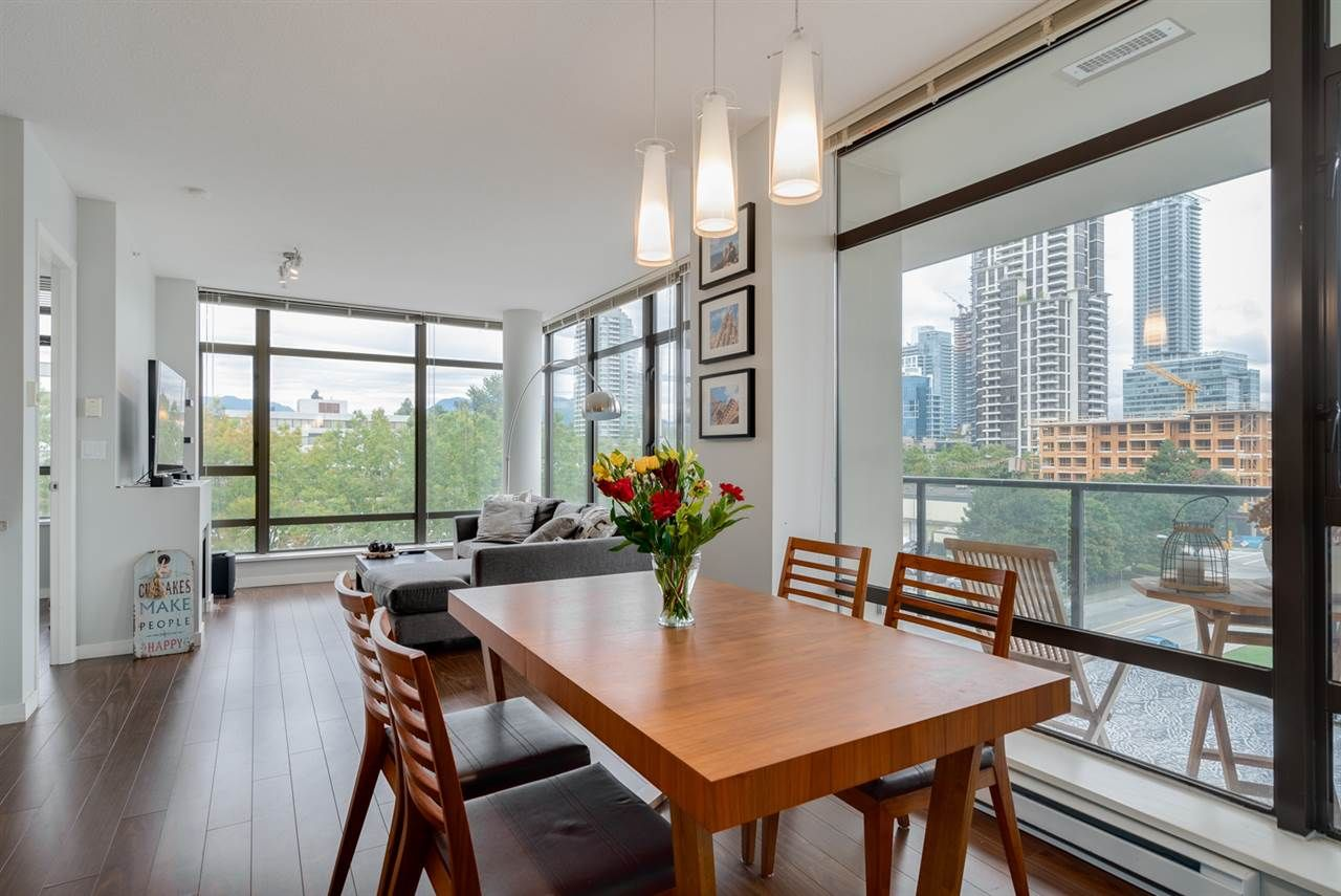"""Photo 4: Photos: 603 4250 DAWSON Street in Burnaby: Brentwood Park Condo for sale in """"OMA 2"""" (Burnaby North)  : MLS®# R2212990"""