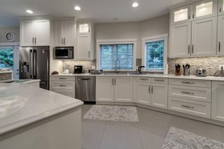 Photo 3: 7010 Beach View Crt in : CS Island View House for sale (Central Saanich)  : MLS®# 863438