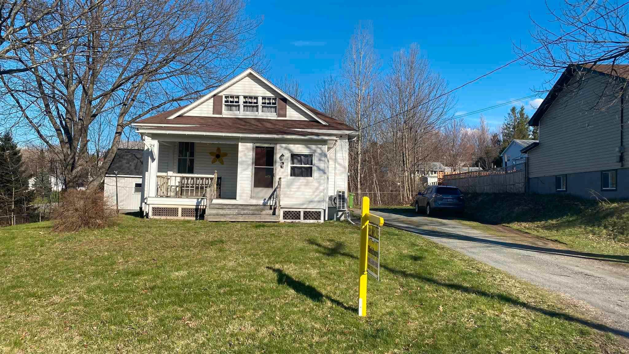 Main Photo: 54 Seventh Street in Trenton: 107-Trenton,Westville,Pictou Residential for sale (Northern Region)  : MLS®# 202110443