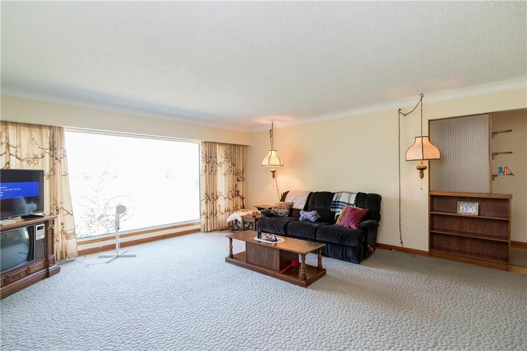 Photo 10: Photos: 6040 PTH 2 . Highway in Oak Bluff: RM of MacDonald Residential for sale (R08)  : MLS®# 202021001