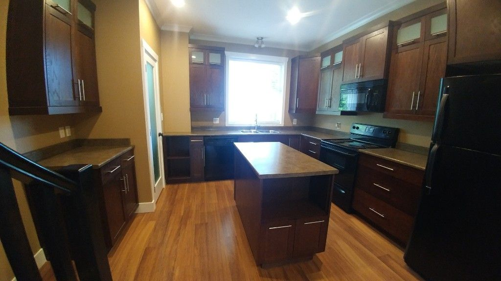 Photo 6: Photos: 7-5805 Sappers Way in Chilliwack: Garrison Townhouse for rent