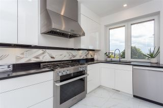 Photo 11: 1020 BALSAM Street: White Rock House for sale (South Surrey White Rock)  : MLS®# R2567501