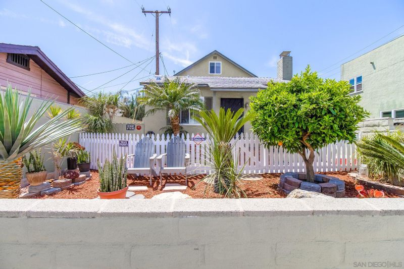 FEATURED LISTING: 3616 10th Street Long Beach