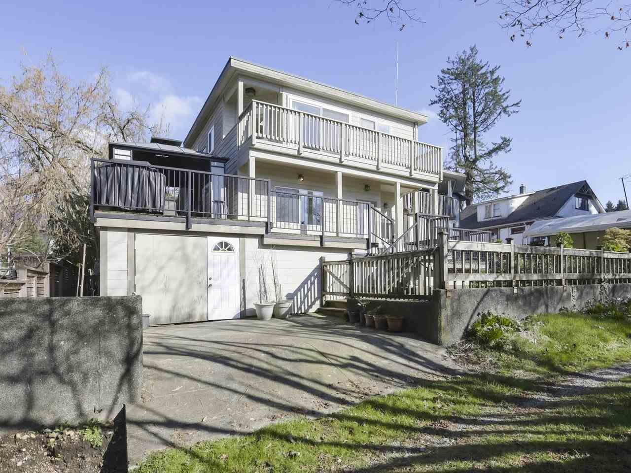 Photo 19: Photos: 325 W KINGS Road in North Vancouver: Upper Lonsdale House for sale : MLS®# R2443642