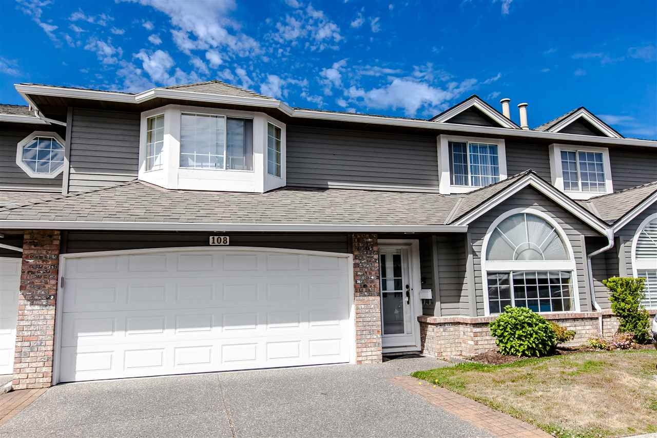 """Main Photo: 108 6109 W BOUNDARY Drive in Surrey: Panorama Ridge Townhouse for sale in """"Lakewood Gardens"""" : MLS®# R2197585"""