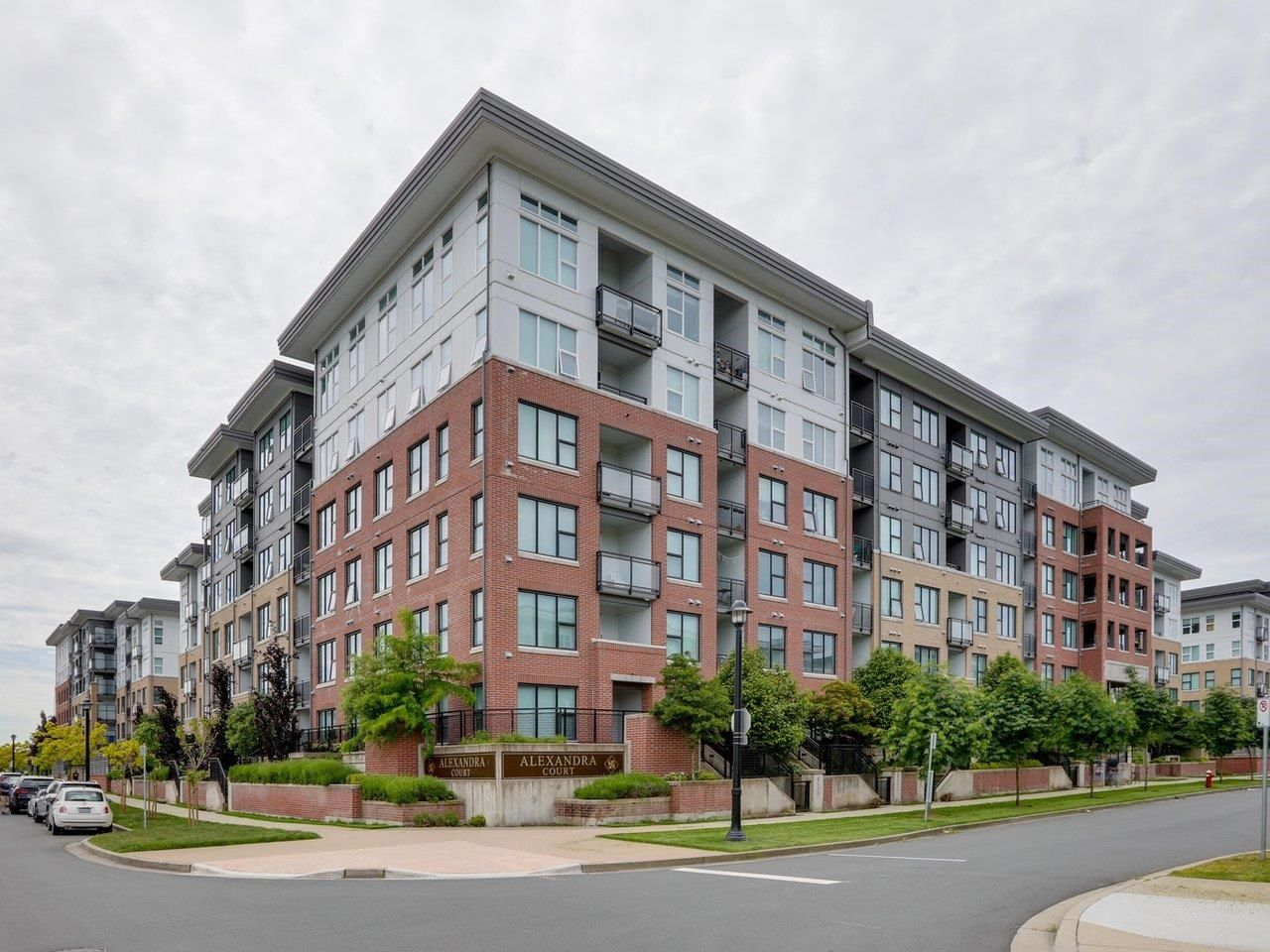 Main Photo: 613 9388 TOMICKI Avenue in Richmond: West Cambie Condo for sale : MLS®# R2602840