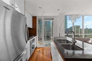 "Photo 5: 701 1005 BEACH Avenue in Vancouver: West End VW Condo for sale in ""ALVAR"" (Vancouver West)  : MLS®# R2541751"