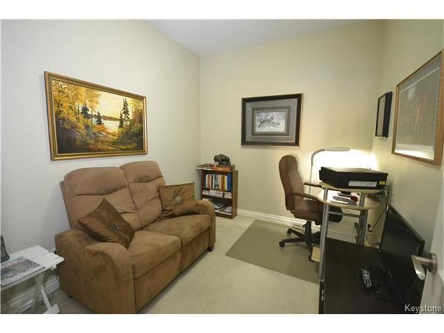 Photo 12: Photos: 1205 St Anne's Road in Winnipeg: River Park South Condominium for sale (2F)  : MLS®# 1702876