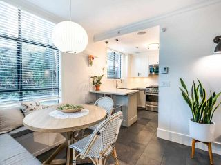 """Photo 12: 101 1725 BALSAM Street in Vancouver: Kitsilano Condo for sale in """"Balsam House"""" (Vancouver West)  : MLS®# R2454346"""
